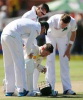 Michael Clarke played with shoulder fracture